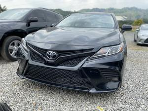 Toyota Camry 2018 SE FWD (2.5L 4cyl 8AM) Blue | Cars for sale in Abuja (FCT) State, Katampe