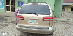 Toyota Sienna 2001 Gold   Cars for sale in Lagos State, Ajah