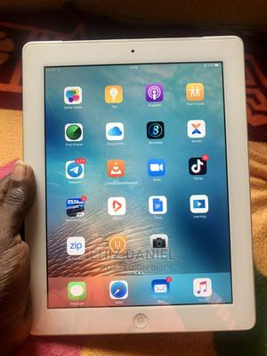 Apple iPad 3 Wi-Fi + Cellular 32 GB White   Tablets for sale in Lagos State, Ikorodu