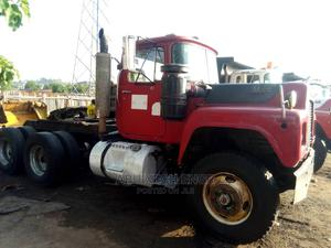 MACK (10 Tyres) Trailer Head - Tractor | Trucks & Trailers for sale in Abuja (FCT) State, Kubwa