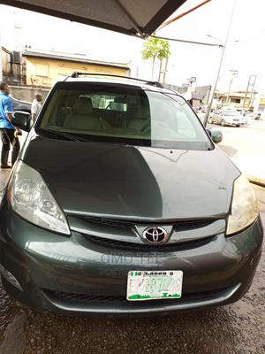 Toyota Sienna 2005 XLE Green   Cars for sale in Lagos State, Surulere