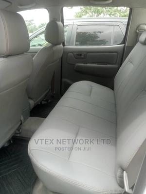 Toyota Hilux 2011 2.5 D-4d 4X4 SRX White   Cars for sale in Rivers State, Port-Harcourt