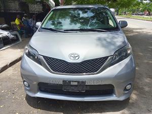 Toyota Sienna 2011 SE 8 Passenger Gray | Cars for sale in Lagos State, Amuwo-Odofin