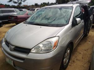 Toyota Sienna 2005 XLE Silver | Cars for sale in Lagos State, Amuwo-Odofin