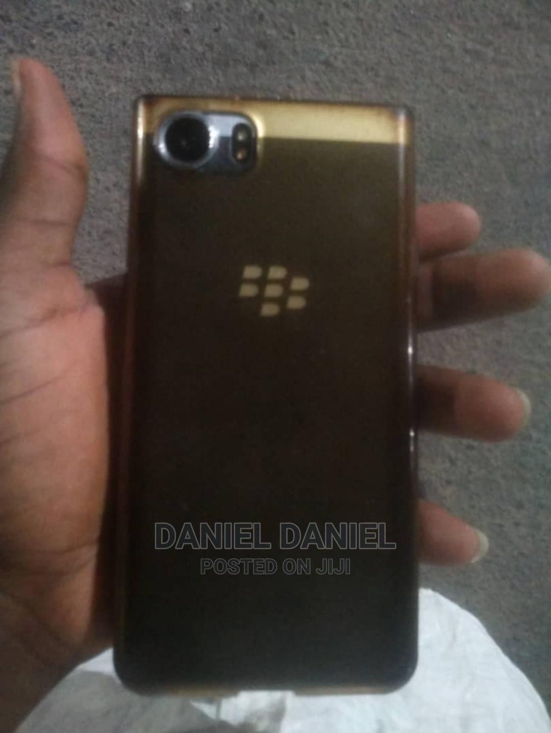 Archive: BlackBerry Bold Touch 9900 8 GB Black
