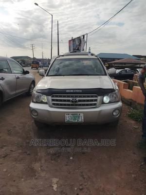 Toyota Highlander 2003 V6 AWD Silver | Cars for sale in Lagos State, Isolo