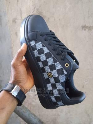 Black and White Comfy Sneakers   Shoes for sale in Oyo State, Oluyole