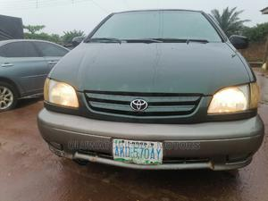 Toyota Sienna 2002 LE Green | Cars for sale in Lagos State, Alimosho