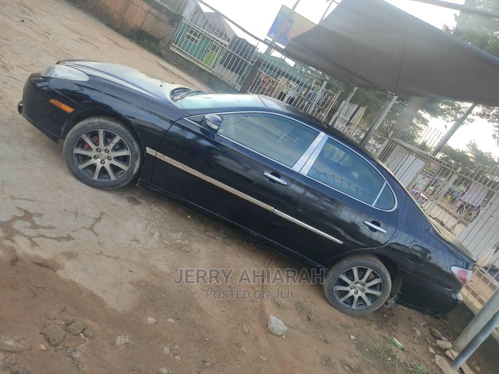 Archive: Lexus LX 2004 Black