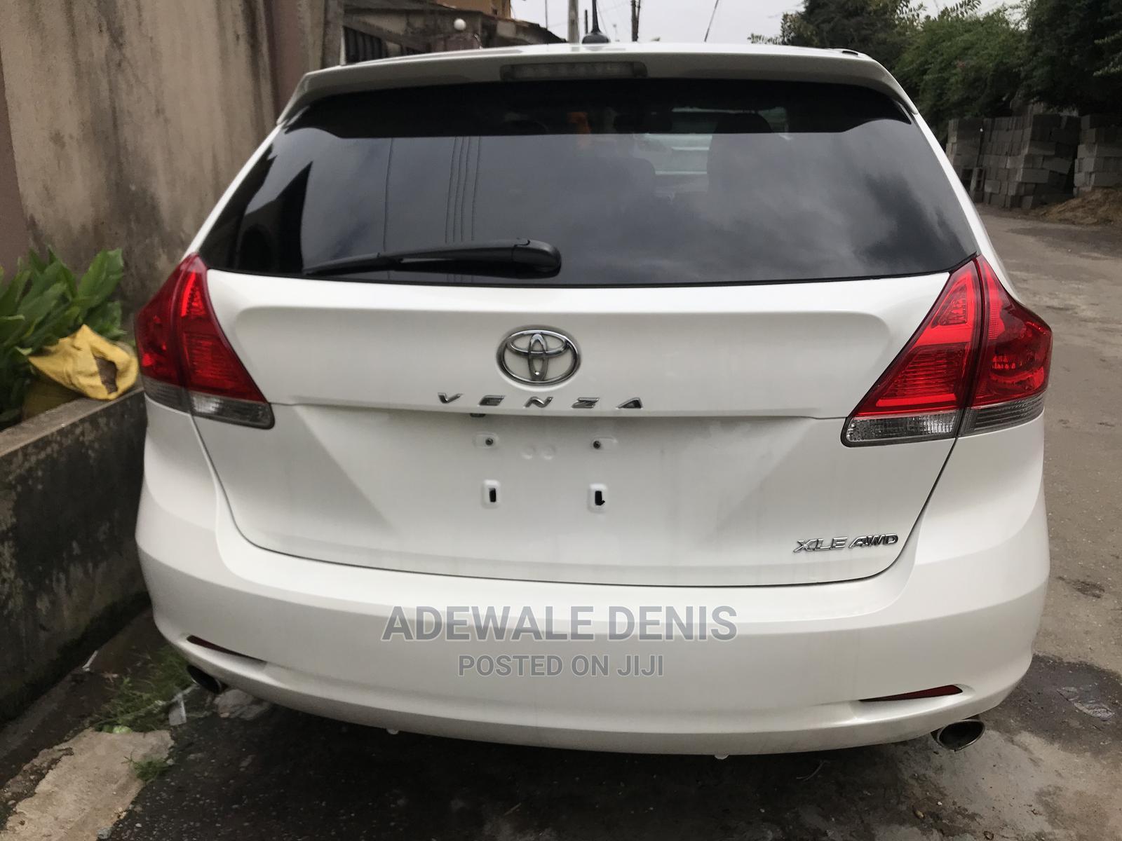 Toyota Venza 2012 V6 AWD White | Cars for sale in Ikeja, Lagos State, Nigeria