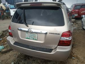 Toyota Highlander 2006 Limited V6 4x4 Gold | Cars for sale in Lagos State, Amuwo-Odofin