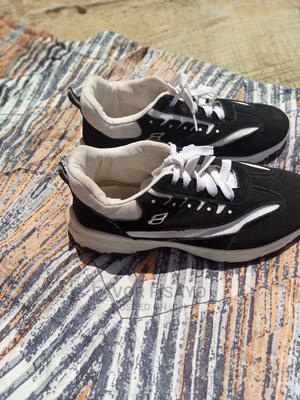Black and White Sneakers Used for Two Days   Shoes for sale in Ondo State, Akure