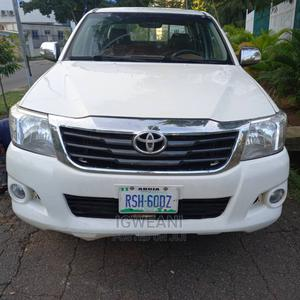Toyota Hilux 2012 2.5 D-4D 4X4 SRX White   Cars for sale in Abuja (FCT) State, Lugbe District