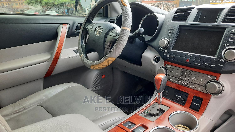 Archive: Toyota Highlander 2012 Limited Blue