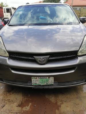 Toyota Sienna 2005 LE AWD Gray   Cars for sale in Lagos State, Alimosho