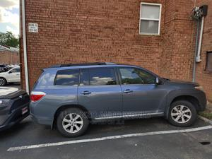 Toyota Highlander 2013 SE 3.5L 4WD Blue | Cars for sale in Lagos State, Isolo