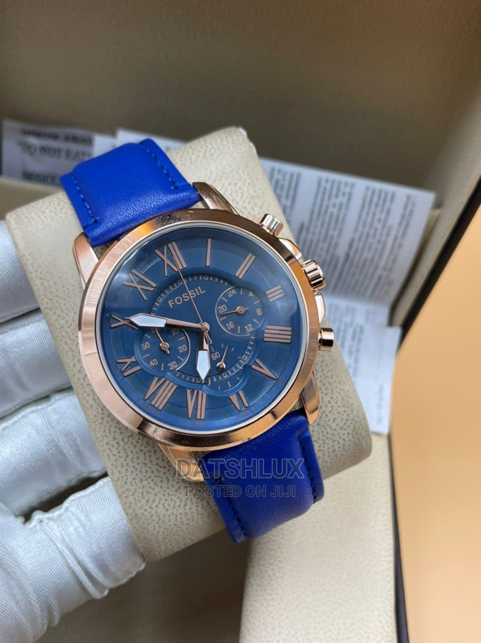 Fossil Leather Strap Men'S Wristwatch   Watches for sale in Lagos Island (Eko), Lagos State, Nigeria