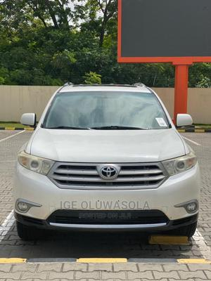 Toyota Highlander 2013 Limited 3.5l 4WD White | Cars for sale in Lagos State, Ikeja