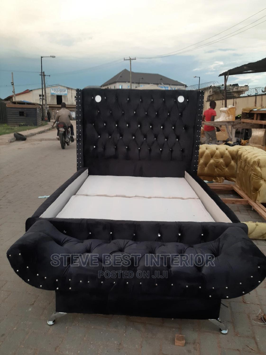 4/6 Upholstery Bed Frame With Automan