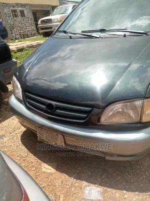 Toyota Sienna 2002 XLE Green   Cars for sale in Abuja (FCT) State, Karu