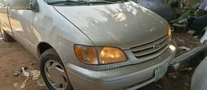 Toyota Sienna 2002 Silver | Cars for sale in Abuja (FCT) State, Lokogoma