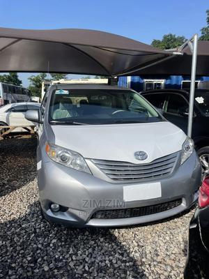 Toyota Sienna 2011 Silver | Cars for sale in Abuja (FCT) State, Central Business District