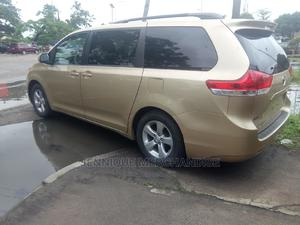 Toyota Sienna 2011 LE 7 Passenger Gold | Cars for sale in Lagos State, Surulere