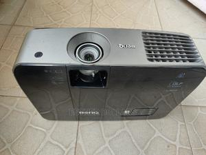 Amazing Cheap 4000 Lumens Bright Daylight Projector | TV & DVD Equipment for sale in Lagos State, Ilupeju