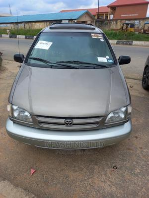 Toyota Sienna 1999 XLE Gold | Cars for sale in Lagos State, Kosofe