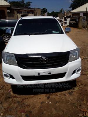 Toyota Hilux 2013 White | Cars for sale in Abuja (FCT) State, Zuba