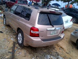 Toyota Highlander 2006 Gold   Cars for sale in Lagos State, Apapa