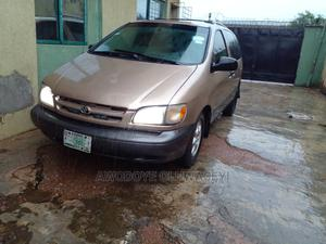 Toyota Sienna 1999 XLE Gold   Cars for sale in Lagos State, Agege