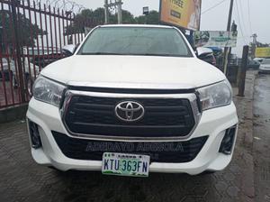 Toyota Hilux 2013 SR 4x4 White | Cars for sale in Lagos State, Amuwo-Odofin