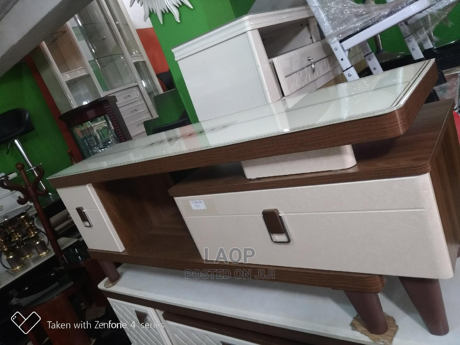 TV Stand (Television Stand)