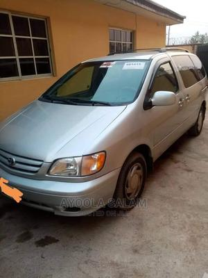Toyota Sienna 2002 XLE Silver | Cars for sale in Oyo State, Oluyole