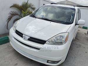 Toyota Sienna 2004 XLE AWD (3.3L V6 5A) White | Cars for sale in Lagos State, Gbagada