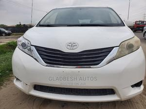 Toyota Sienna 2011 LE 8 Passenger White   Cars for sale in Lagos State, Ajah