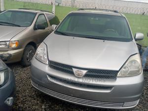 Toyota Sienna 2005 XLE Silver   Cars for sale in Lagos State, Ikeja