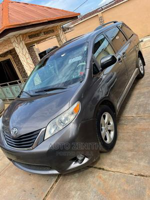 Toyota Sienna 2012 LE 8 Passenger Gray | Cars for sale in Osun State, Ilesa