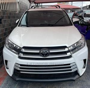 Toyota Highlander 2018 XLE 4x4 V6 (3.5L 6cyl 8A) White | Cars for sale in Lagos State, Surulere