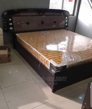 6 by 6 Foreign Bed, With 2 Side Drawers and Dressing Mirror   Furniture for sale in Rivers State, Port-Harcourt
