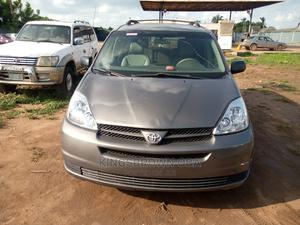Toyota Sienna 2005 XLE Gray   Cars for sale in Lagos State, Abule Egba