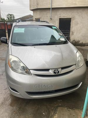 Toyota Sienna 2006 LE AWD Silver | Cars for sale in Lagos State, Ojodu