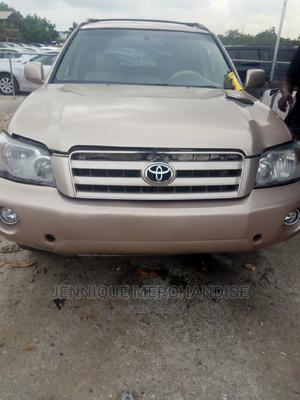 Toyota Highlander 2004 V6 AWD Gray | Cars for sale in Lagos State, Amuwo-Odofin