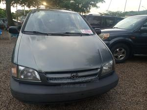 Toyota Sienna 2000 LE & 1 Hatch Gray | Cars for sale in Abuja (FCT) State, Gwarinpa