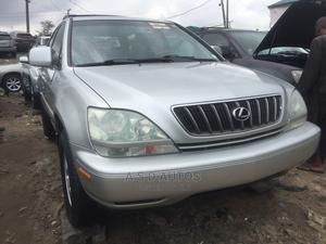 Lexus RX 2002 300 4WD Silver | Cars for sale in Lagos State, Amuwo-Odofin