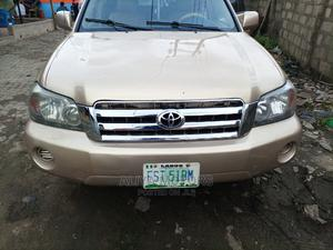 Toyota Highlander 2005 Gold | Cars for sale in Lagos State, Surulere