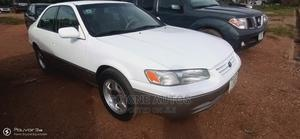Toyota Camry 1999 Automatic White | Cars for sale in Abuja (FCT) State, Kubwa