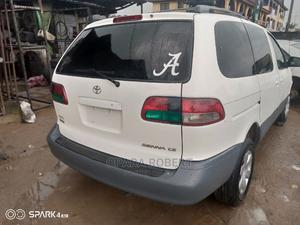 Toyota Sienna 2002 LE White   Cars for sale in Rivers State, Port-Harcourt