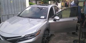 Toyota Camry 2018 SE FWD (2.5L 4cyl 8AM) Silver   Cars for sale in Lagos State, Ogba